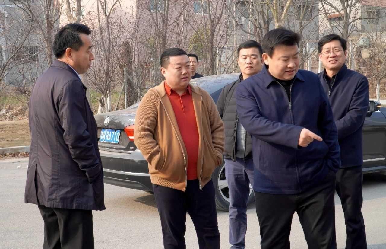 縣委副書記、代縣長魏傳永到江華機械調研