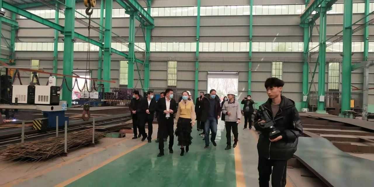 温州市山东商会考察团到江华机械参观考察